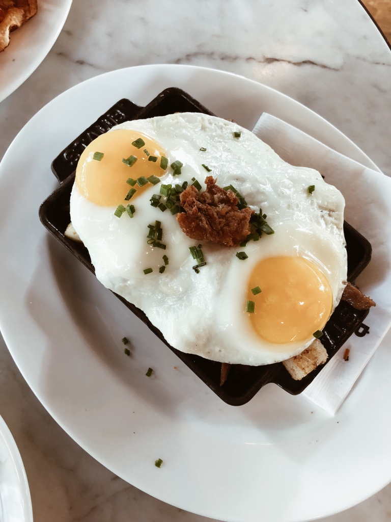 duck hash at cafe robey in downtown chicago